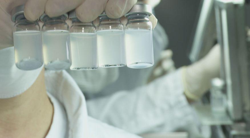 Doses da Coronavac sendo produzidas no Instituto Butantan (14.jan.2021)