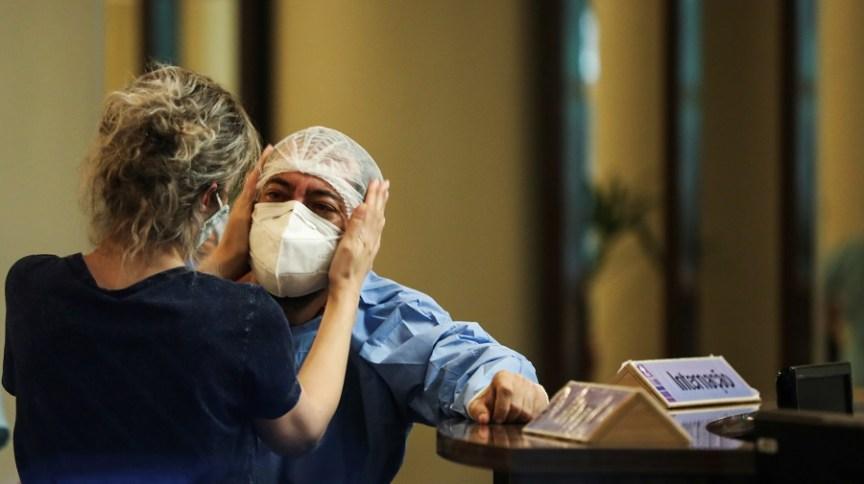 Reação de profissional da saúde em Manaus (AM) em meio à pandemia de coronavírus