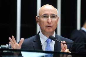 Ex-presidente do Tribunal Superior do Trabalho diz que medida de redução salarial não será entrave na MP