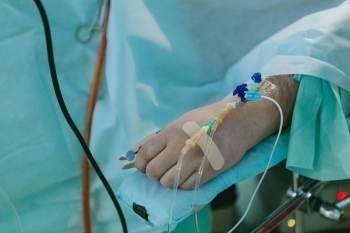 À CNN, cardiologista Ludhmila Hajjar explica que pacientes do SUS não têm acesso ao Remdesivir, principal antiviral contra Covid-19