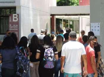 Os portões dos locais de prova do Enem 2020 se fecharam às 13h (horário de Brasília)