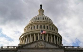 O principal efeito do processo de impeachment aberto pela Câmara no dia 13 tem sido o de esfriar a retórica de Trump