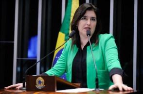 A líder da bancada feminina exercerá todas as prerrogativas asseguradas aos líderes de partido ou bloco parlamentar