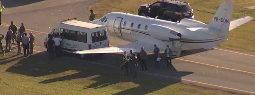 Avião que levou as doses ao estado foi emprestado ao governador