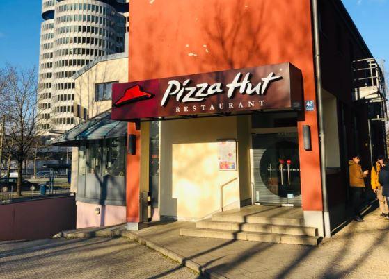 Fachada de restaurante da Pizza Hut