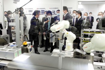 O uso de sistemas de teste de robôs pode ajudar a preservar os trabalhadores de saúde e melhorar a precisão geral, de acordo com ministro da saúde do país