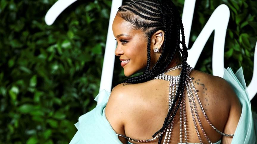 A fundação Clara Lionel, da cantora Rihanna, fez uma doação de US$ 5 milhões