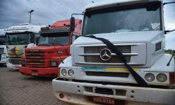 Imposto de 16% será retirado para diminuir custos para caminhoneiros