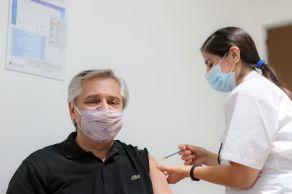 Órgão regulador de medicamentos argentino recomendou ao Ministério da Saúde a aplicação da vacina russa em pessoas com mais de 60 anos