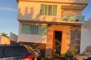 Segundo a Polícia Federal, servidor construiu uma casa de luxo e adquiriu veículos com valores não declarados e incompatíveis com sua renda