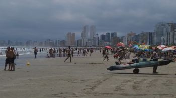 As praias do litoral sul de São Paulo sofreram aglomerações neste sábado (23) devido ao feriado prolongado do aniversário da capital paulista