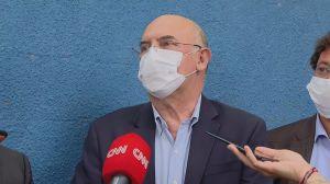 """""""Joguei R$ 300 milhões na lata do lixo"""", diz ministro sobre ausentes no Enem"""
