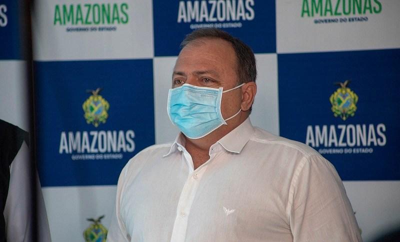 O ministro da Saúde, Eduardo Pazuello, em Manaus