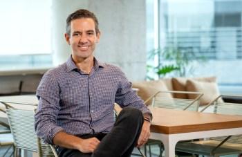 Em entrevista ao CNN Business, David Vélez, CEO e fundador do Nubank, conta dos planos e diz que também quer trazer clientes incomodados com os bancões
