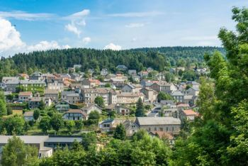 Em testamento, o refugiado judeu Erich Schwam mostrou gratidão à vila francesa de Le Chambon-sur-Lignon, que abrigou sua família em 1943, durante a II Guerra