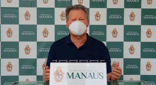 O prefeito de Manaus, Arthur Virgílio Neto, diz que vai cassar alvarás de comércios que abrirem durante pandemia do novo coronavírus
