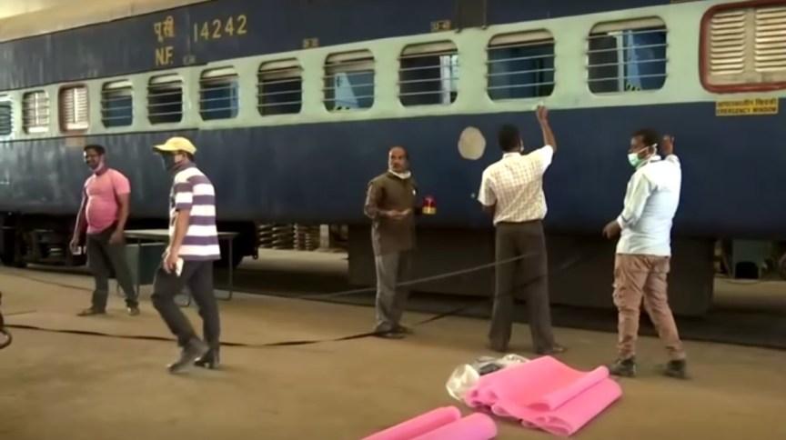 Na Índia, trens estão sendo transformados em unidades de tratamento para pacientes com COVID-19