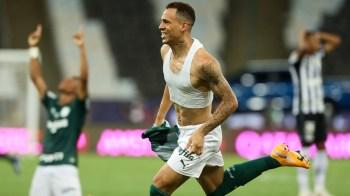 Atacante foi contratado pelo clube depois do fechamento da janela internacional de transferência, em 9 de novembro, e de acordo com regras está fora do torneio