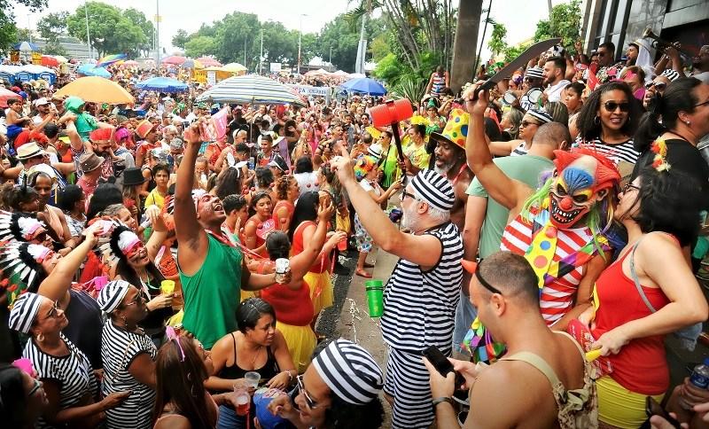 Aglomeração em bloco de Carnaval no Rio de Janeiro. Imagem de arquivo de 28 de fevereiro de 2020