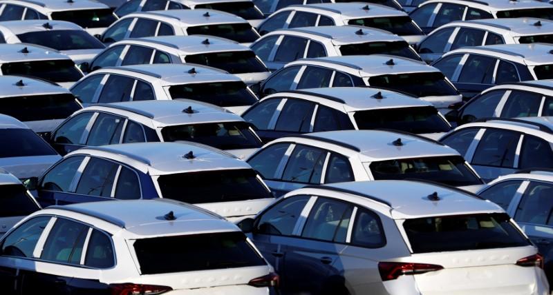 Vista de um pátio de veículos, no momento em que montadoras anunciam paradas de produção em meio à epidemia do coronavírus (18.mar.2020)