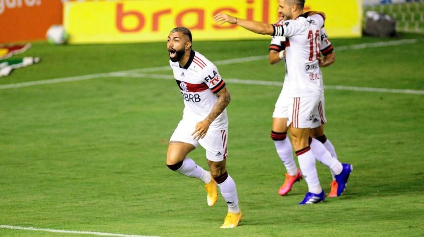 Gabigol comemora gol do Flamengo na Ilha do Retiro
