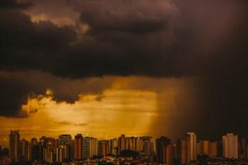 Mamedes Luiz Melo, meteorologista do Inmet, falou à CNN como fica a previsão do tempo no país nos próximos dias
