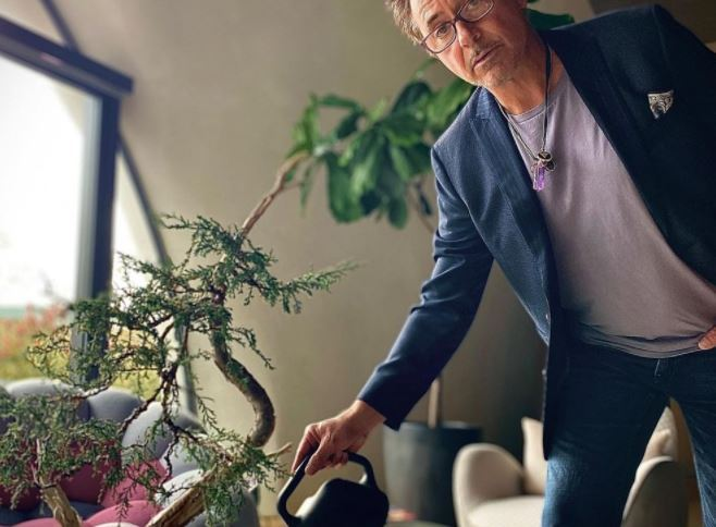 Robert Downey Jr. apoia fundo de investimentos para empresas sustentáveis