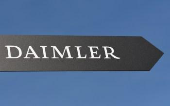 Decisão final sobre a cisão será tomada em assembleia extraordinária de acionistas que pode acontecer no final do terceiro trimestre, diz Daimler