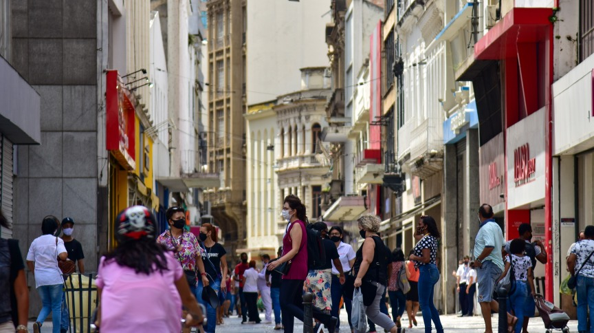 Movimento no Centro de São Paulo durante a pandemia da Covid-19