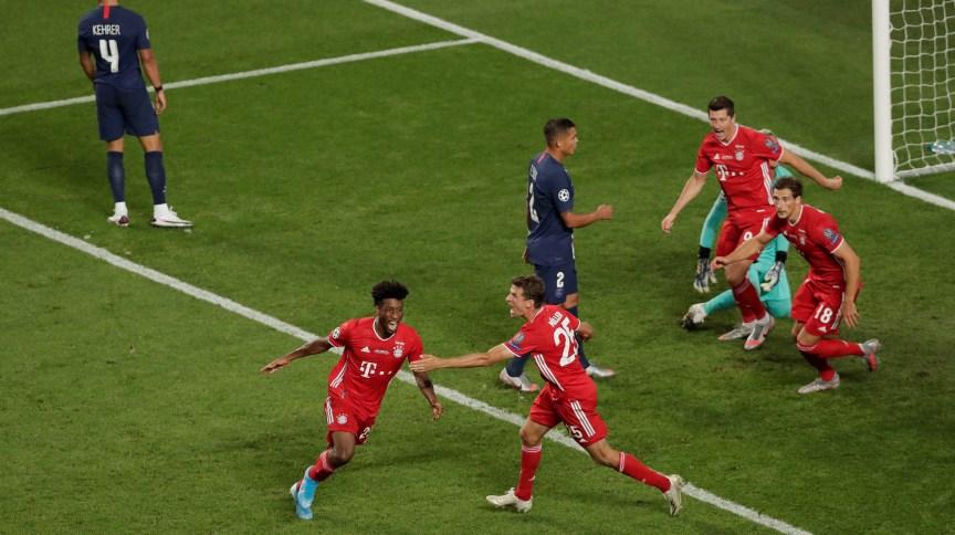 Jogadores do Bayern Munique comemoram gol contra o Paris St Germain na final da última edição da Liga dos Campeões