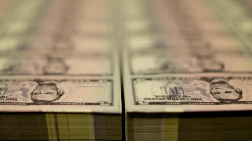 Moeda americana cede ante real em semana de otimismo nos mercados internacionais (26.mar.2015)