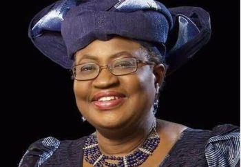 """A nigeriana afirmou estar """"honrada"""" em ser a primeira mulher e africana a chegar ao cargo, e que está pronta para assumir os desafios da OMC"""