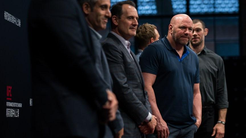 """""""Estamos conseguindo a infraestrutura agora, então vou começar a organizar as lutas internacionais"""", afirmou Dana White sobre realizar o UFC 249 em uma ilha particular"""