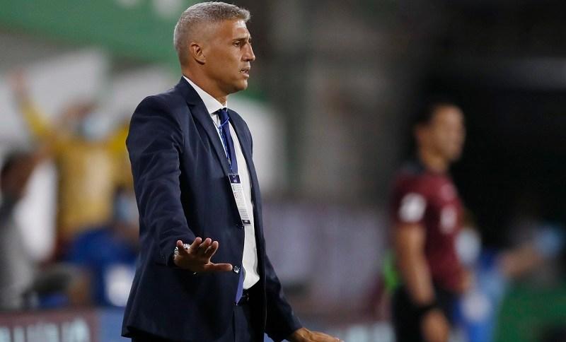 Técnico Hernán Crespo durante partida do Defensa y Justicia contra o Coquimbo Unido pela Copa Sul-Americana