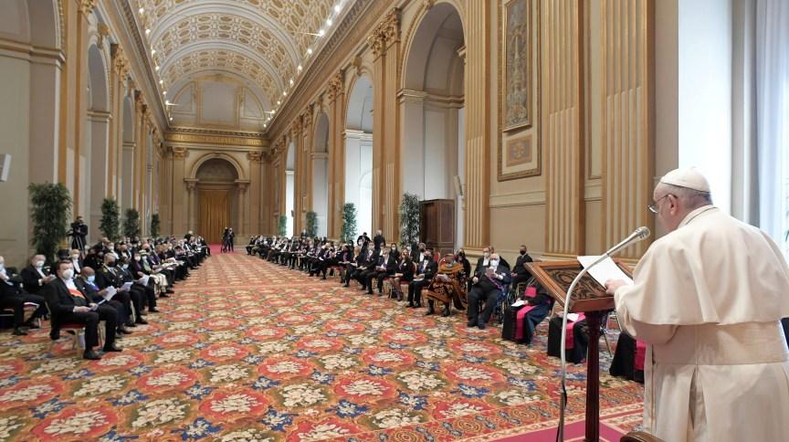 Papa Francisco em discurso a diplomatas no Vaticano, em 08/02/2021
