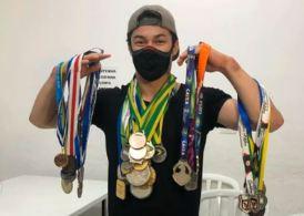 Medalhas do ginasta Artur Nory foram roubadas dentro de sua residência, na Lapa, em São Paulo, na última sexta-feira (5)