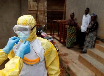 Autoridades de saúde identificaram quase 300 casos da doença no Congo e 109 na Guiné