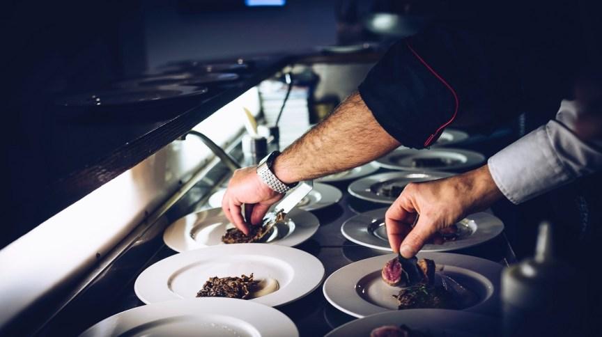Restaurante: 93 dos empresários do setor relatam perda de faturamento por coronavírus
