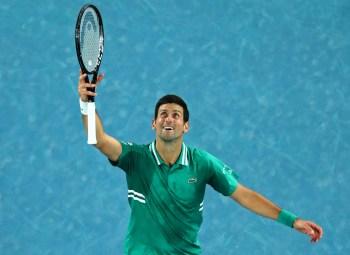 Tenista sérvio superou o canadense Milos Raonic na quarta rodada do Aberto da Austrália; recordista, Roger Federer tem 362 vitórias em Grand Slam