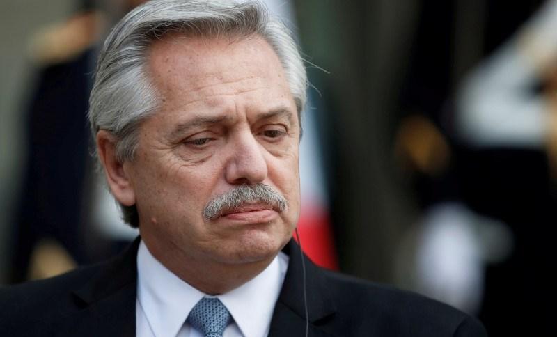 Presidente argentino, Alberto Fernández, ampliou quarentena contra coronavírus no país