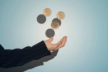 Recentemente, tem crescido a adesão do setor financeiro tradicional a pagamentos com a moeda