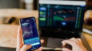 Mercado financeiro reage mal após aumento do IOF