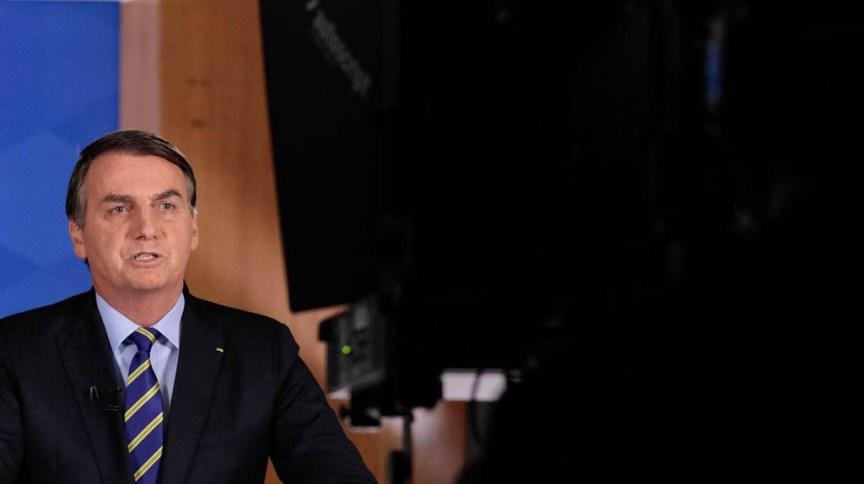 Bolsonaro em pronunciamento em 8 de abril