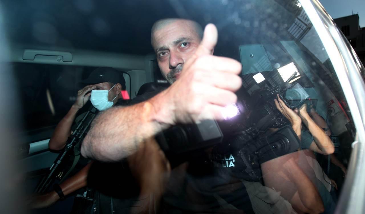 O deputado federal Daniel Silveira (PSL-RJ) deixa a sede da Polícia Federal (PF)