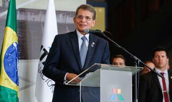 Ainda de acordo com os interlocutores, Joaquim Silva e Luna sugeriu que há uma solução na questão das termelétricas a gás