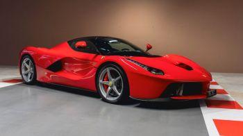 Dentre as ofertas, estão três Ferraris de modelo raro