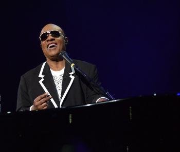 Artista afirmou a Oprah Winfrey que turbulência política nos EUA motivou sua decisão; no entanto, ele já fez a mesma afirmação no passado e não cumpriu