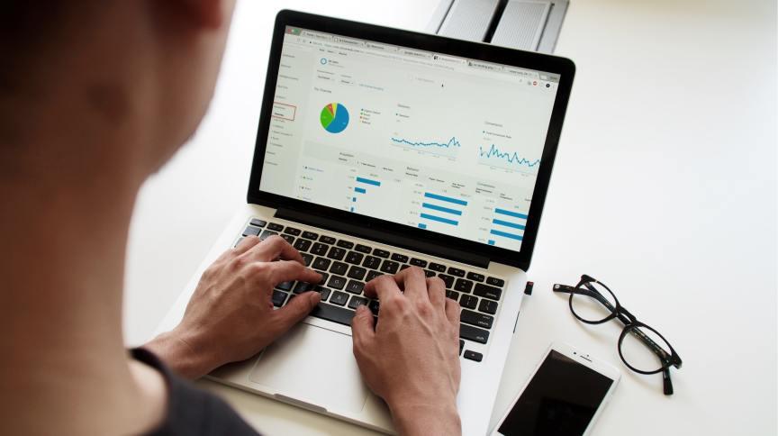 Aplicativos e planilhas ajudam a planejar gastos e manter o equilíbrio financeiro