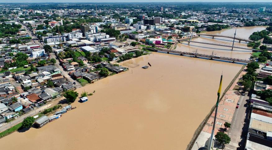 População do Acre foi atingida por enchentes, pela Covid-19 e arboviroses, como dengue
