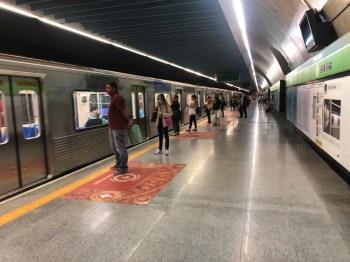 O Sindicato dos Metroviários de São Paulo informou, na noite desta terça-feira, que está suspensa a greve marcada pela categoria para a quarta-feira (27)